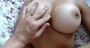 Esposa magrinha peituda fazendo sexo amador