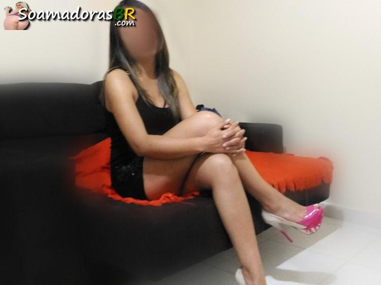 Esposa-gostosa-de-lingerie-e-peladinha-amadora-14
