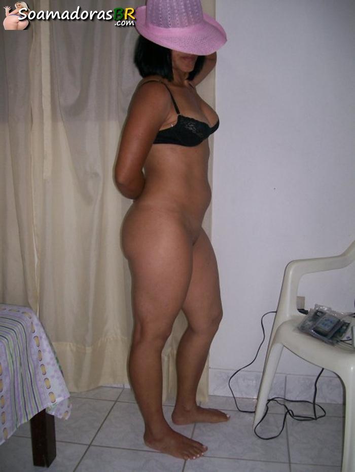 Fotos-caseiras-da-esposa-carioca-pelada-3