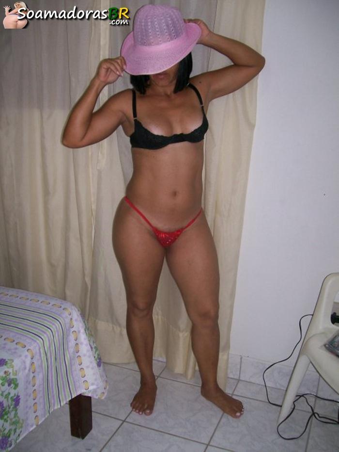 Fotos-caseiras-da-esposa-carioca-pelada-4