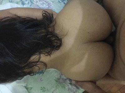 Esposa novinha deliciosa quer sexo com dotados