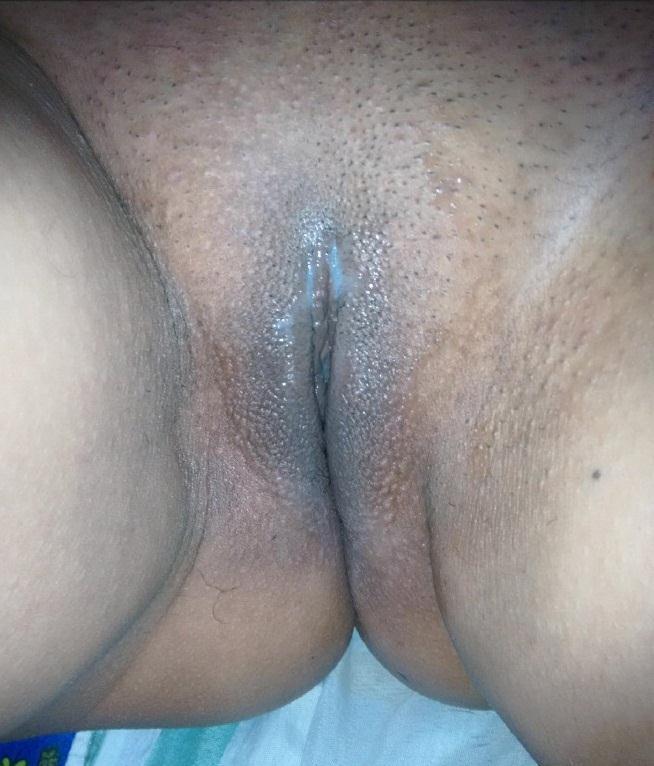Morena-rabuda-em-fotos-de-sexo-amador-5
