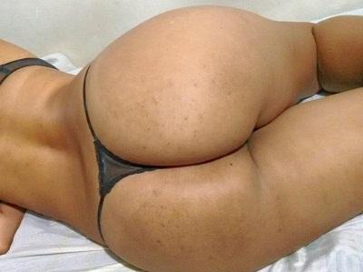 Morena rabuda em fotos de sexo amador