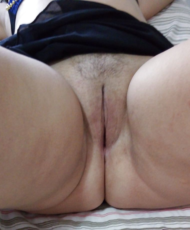 Esposa-exibindo-a-sua-bucetinha-deliciosa-3