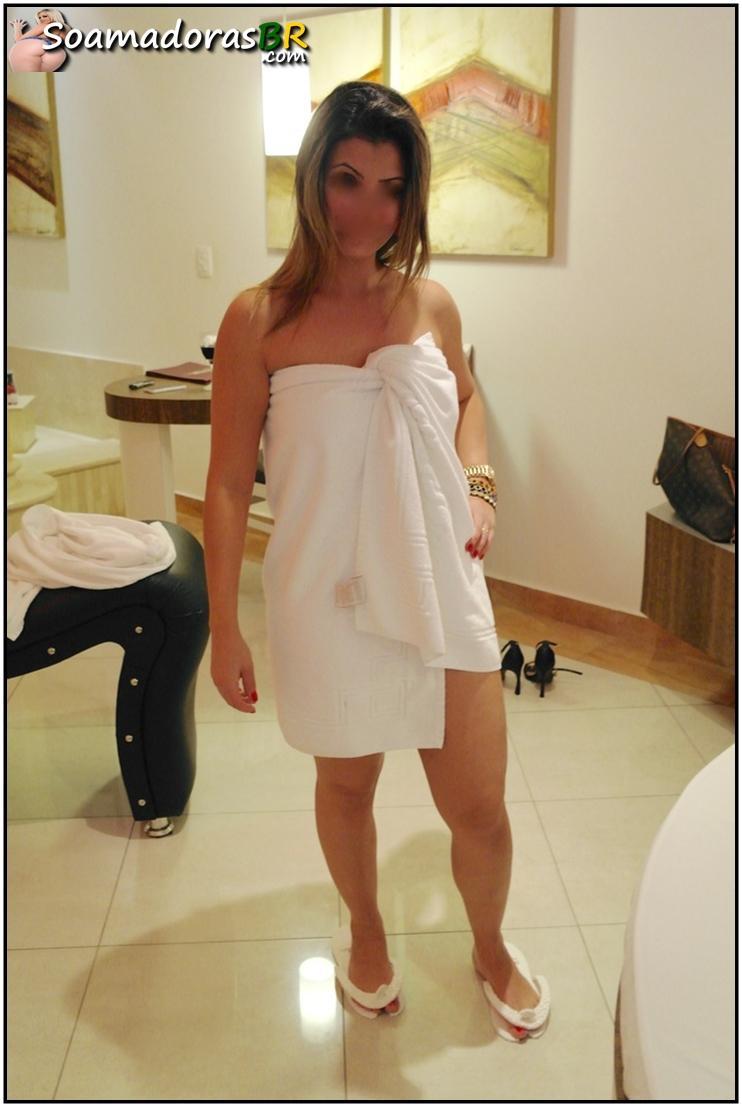 Fotos-da-esposa-pelada-tomando-banho-11