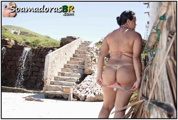 Fotos-da-esposa-semi-nua-na-praia-7