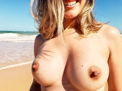 Loira amadoras e seus peitos perfeitos gostosos