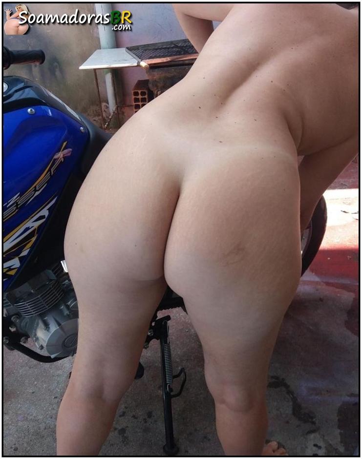 Esposa-de-corno-gostosona-pelada-10