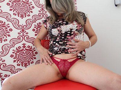 Exibindo a esposa loira deliciosa sexy