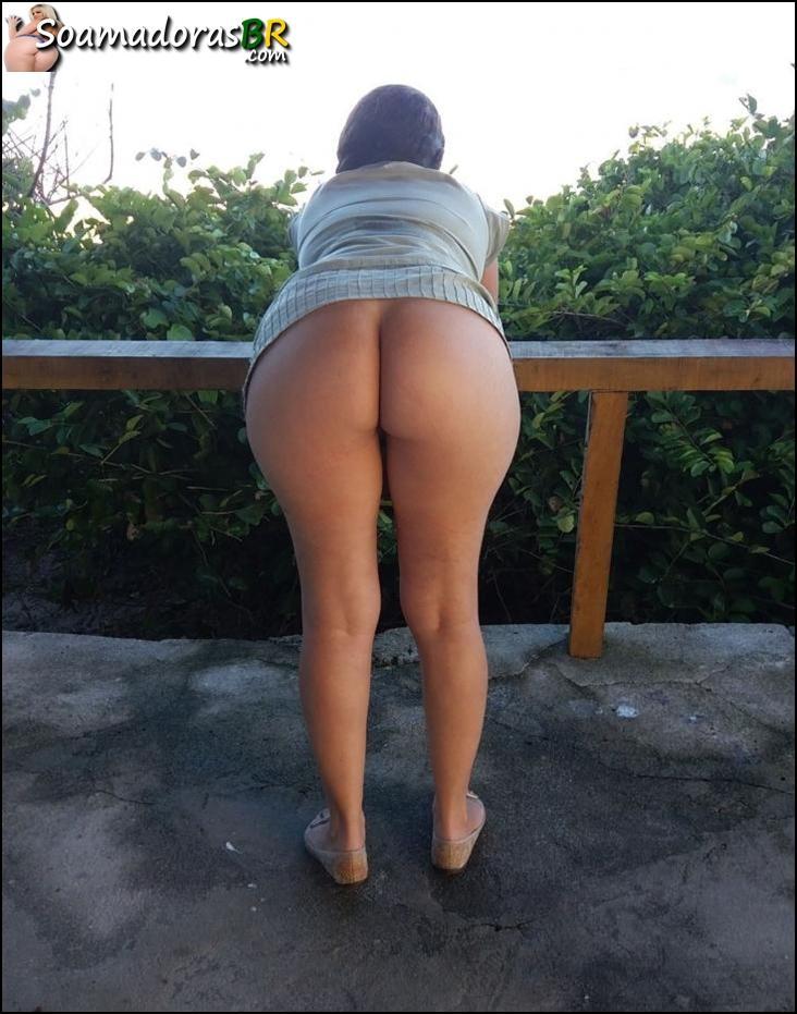Exibindo-a-esposa-safada-pelada-6