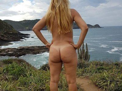 Fotos da esposa loira gostosa pelada na praia