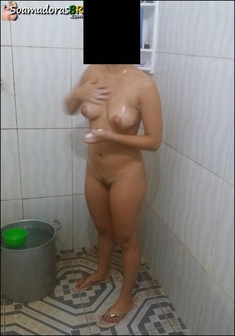 Esposa-novinha-gostosa-se-exibindo-nua-9