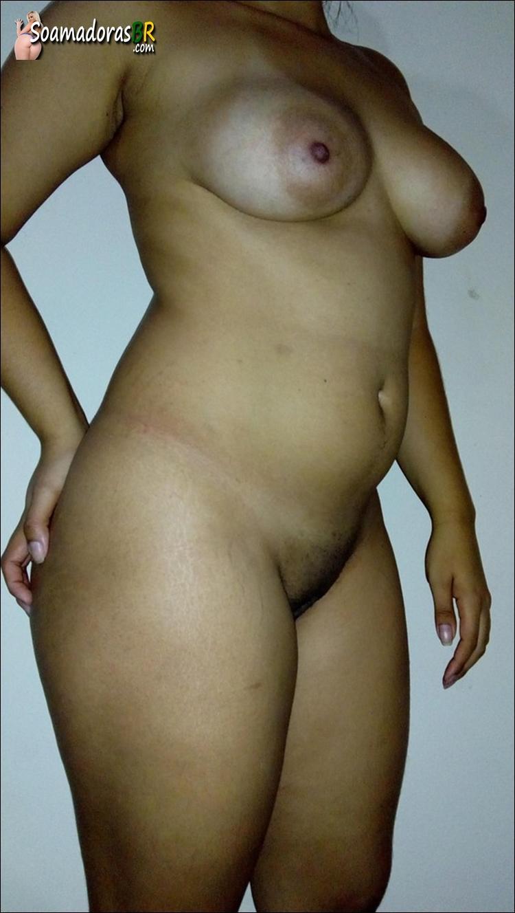 Esposa-sendo-arrombada-pelo-negro-dotado-12