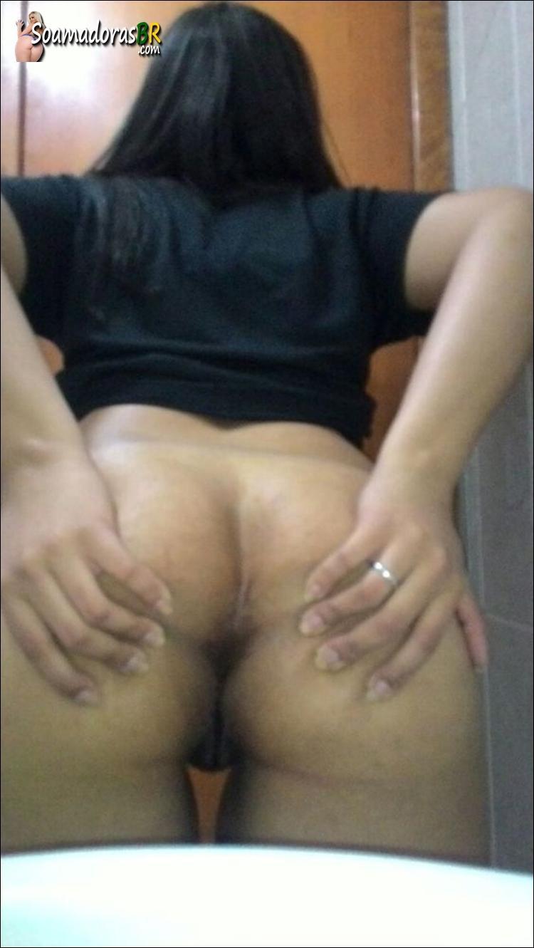 Esposa-sendo-arrombada-pelo-negro-dotado-4