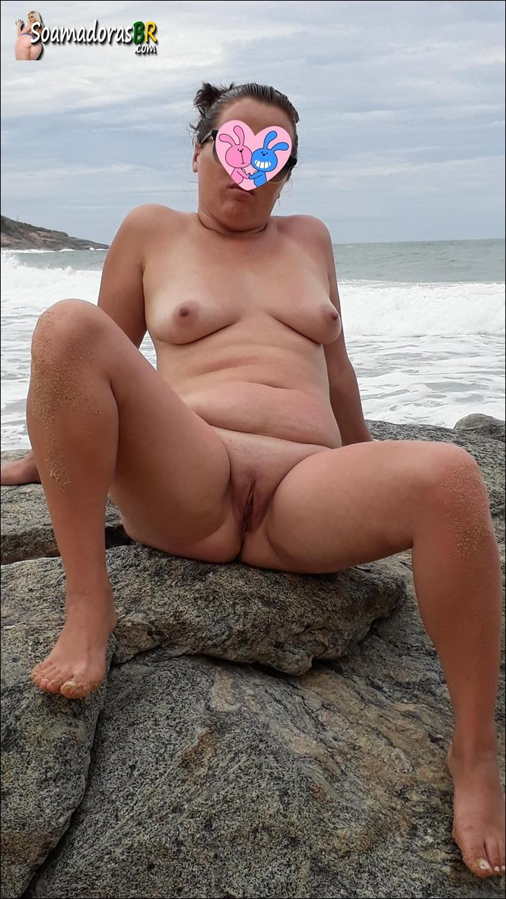 Fotos-da-esposa-nua-na-praia-de-nudismo-3