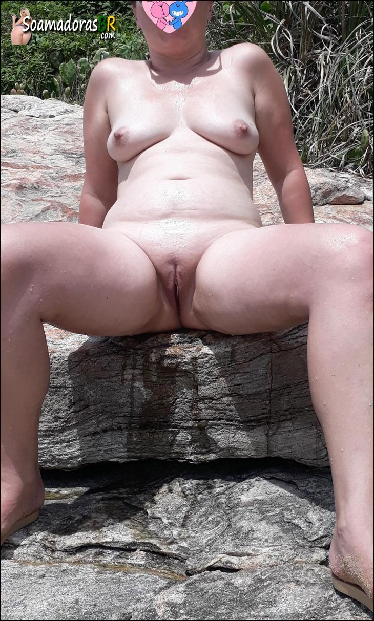 Fotos-da-esposa-nua-na-praia-de-nudismo-5