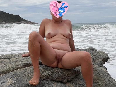 Fotos da esposa nua na praia de nudismo