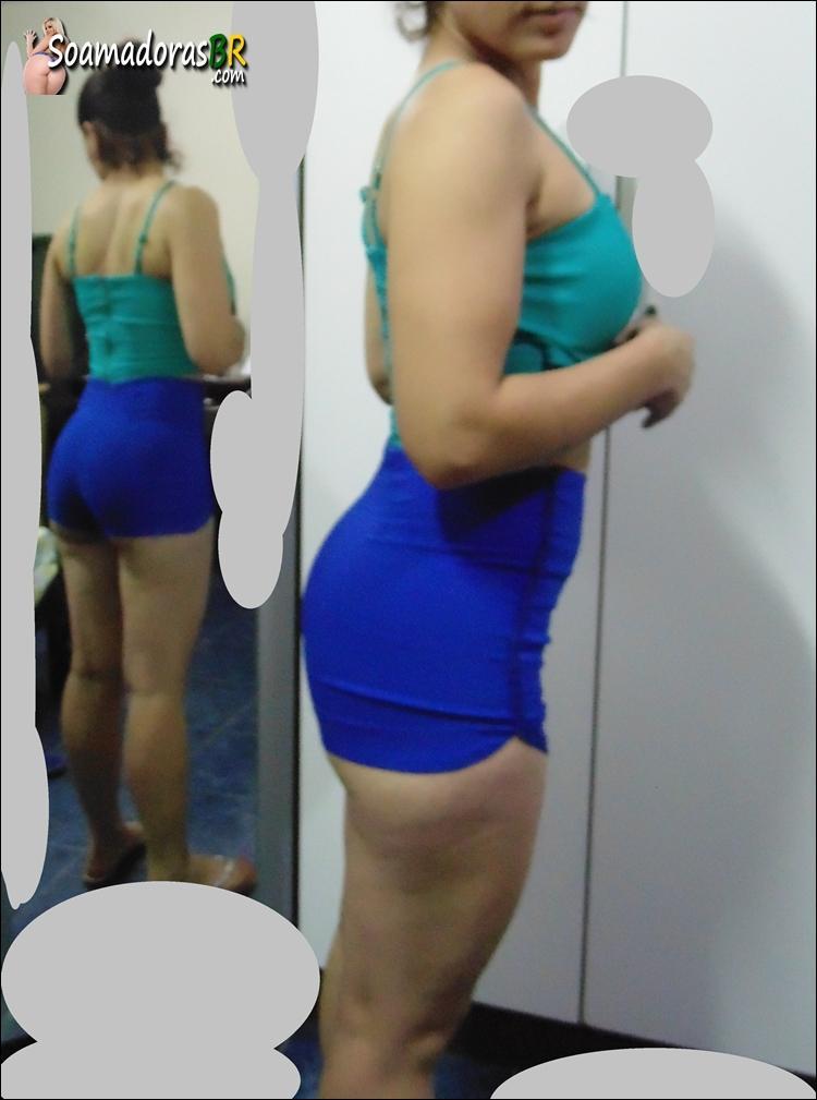 Esposa-magrinha-rabuda-e-seus-shortinhos-12
