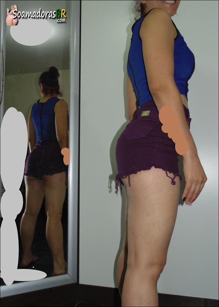 Esposa-magrinha-rabuda-e-seus-shortinhos-15