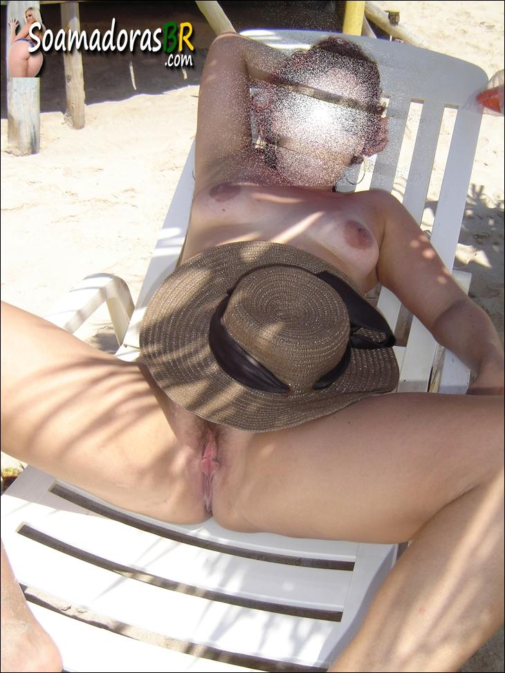 Coroa-gostosa-pelada-na-praia-5