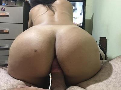 Rabuda e o marido em fotos de sexo