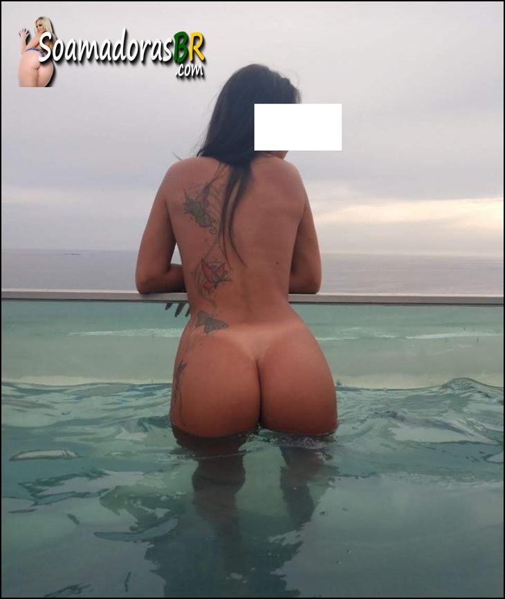Casada-moreninha-novinha-sapeaquinha-2