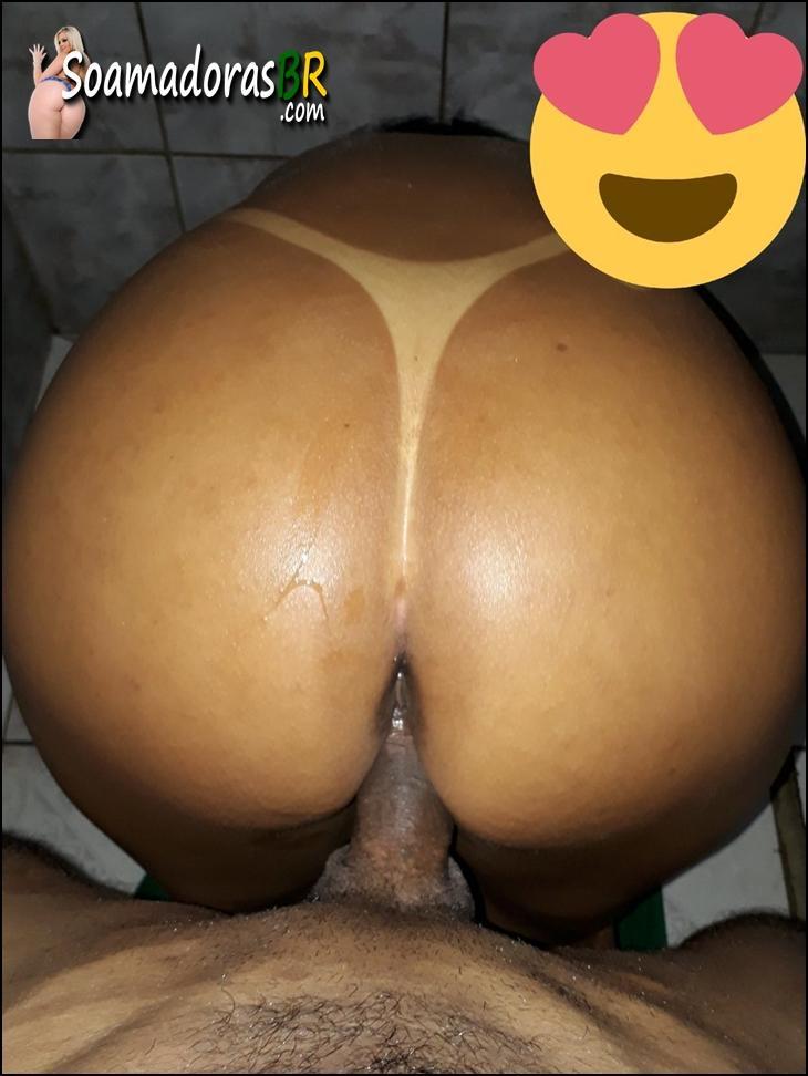 Esposa-bronzeada-no-sexo-amador-15