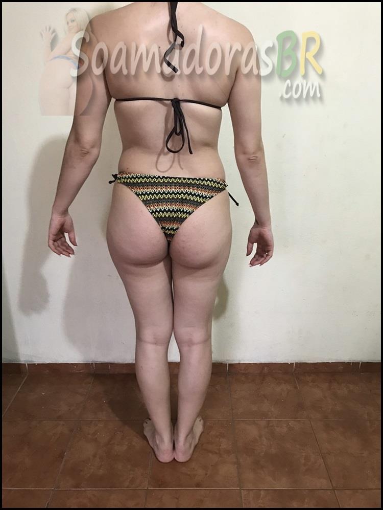 Esposa-branquinha-gostosa-se-exibindo-12