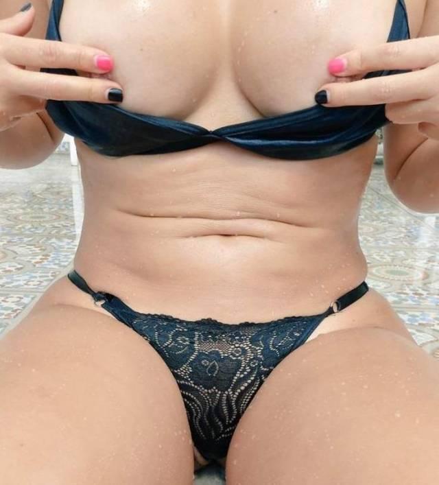 Branquinha-rabuda-curte-mulheres-5