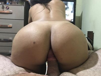Esposa gostosa sentando na rola