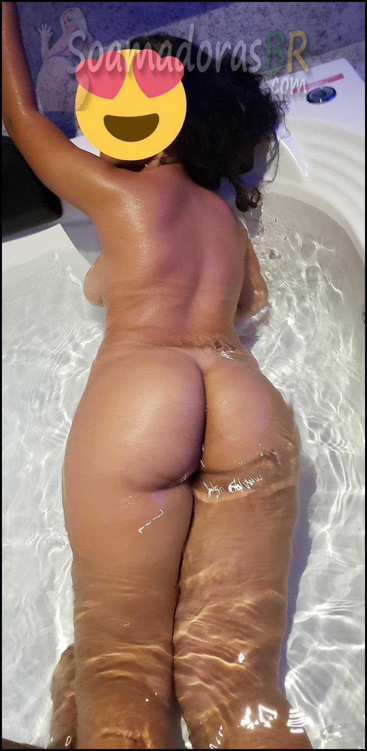 Amadora-bunduda-dos-peitos-grandes-3