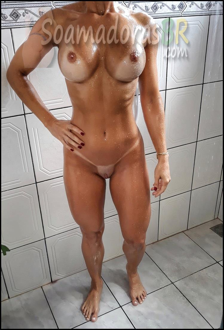 Loira-sarada-gostosa-casada-pelada-4