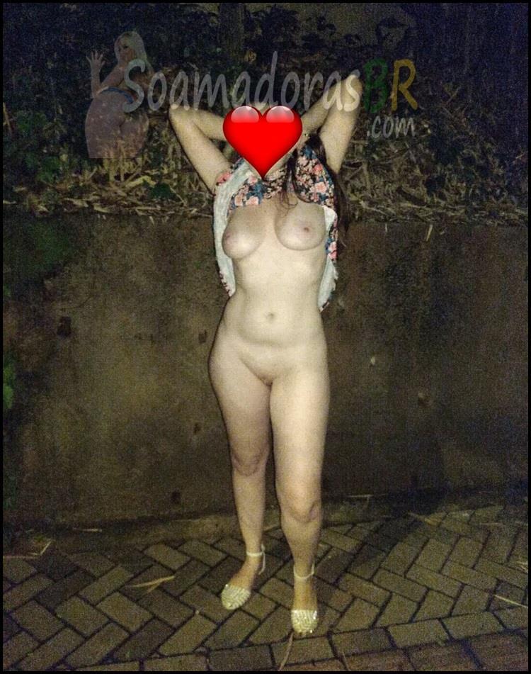 Branquinha-casada-pelada-na-estrada-12