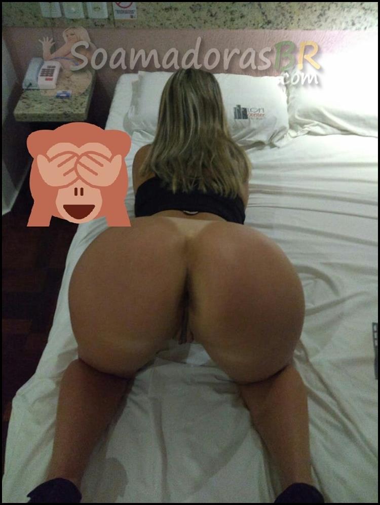 Esposa-loira-sexy-em-fotos-amadoras-13