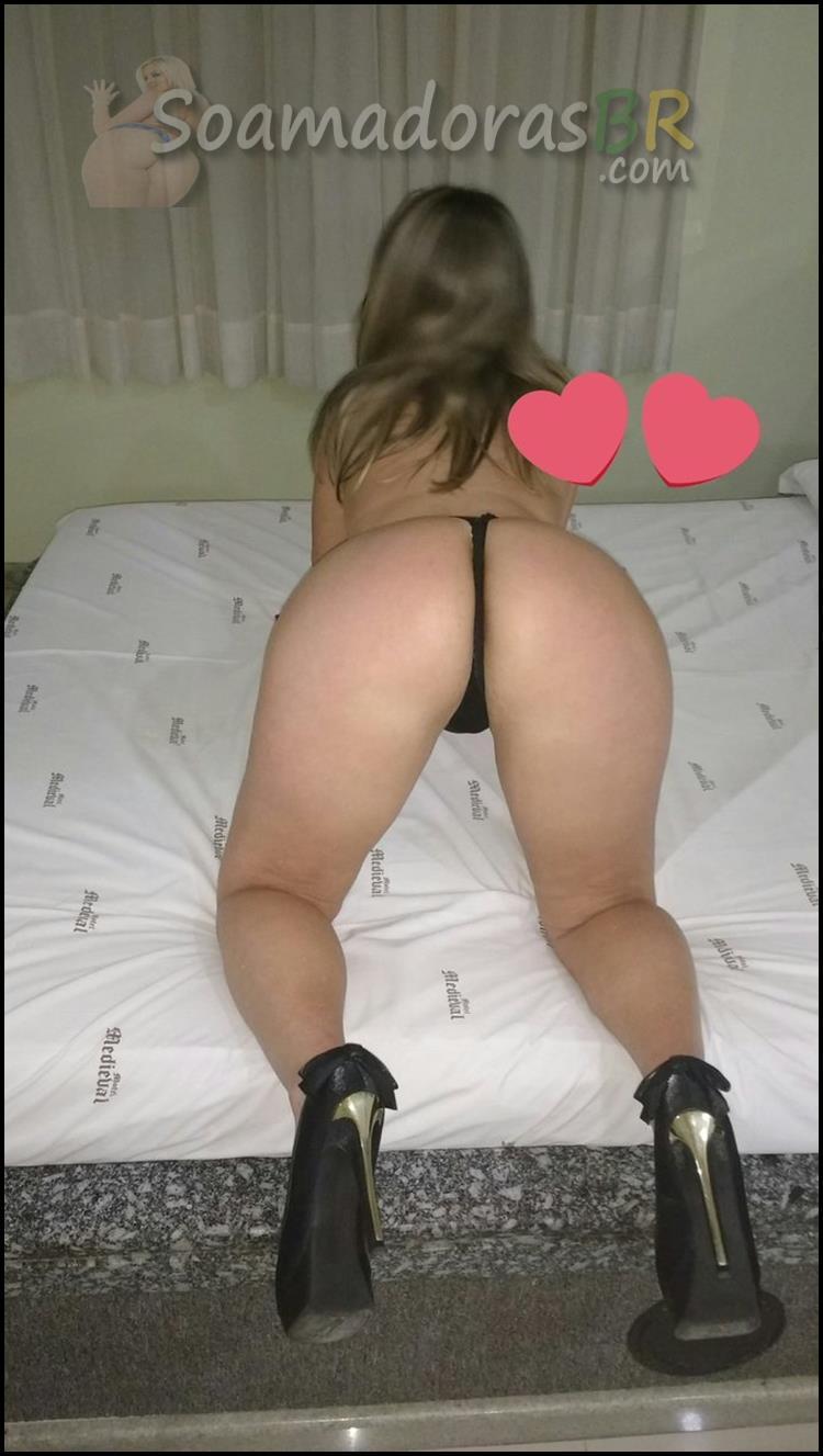Esposa-loira-sexy-em-fotos-amadoras-3