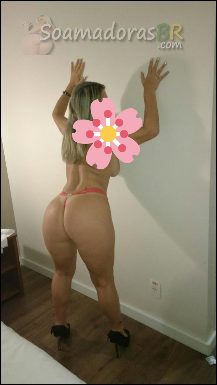 Esposa-loira-sexy-em-fotos-amadoras-6