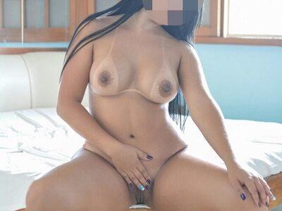 Esposa pelada mostrando as marquinhas