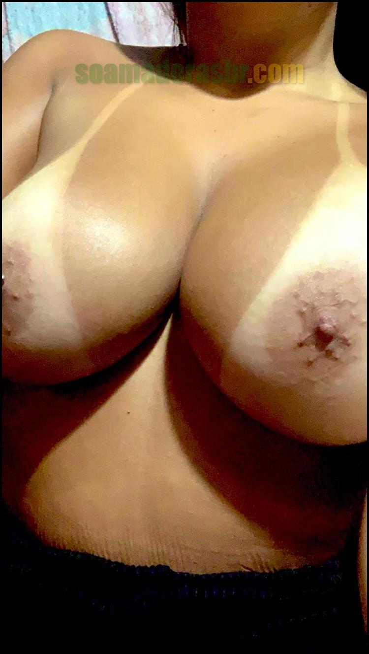 Esposa-tirou-fotos-amadoras-peladas-6