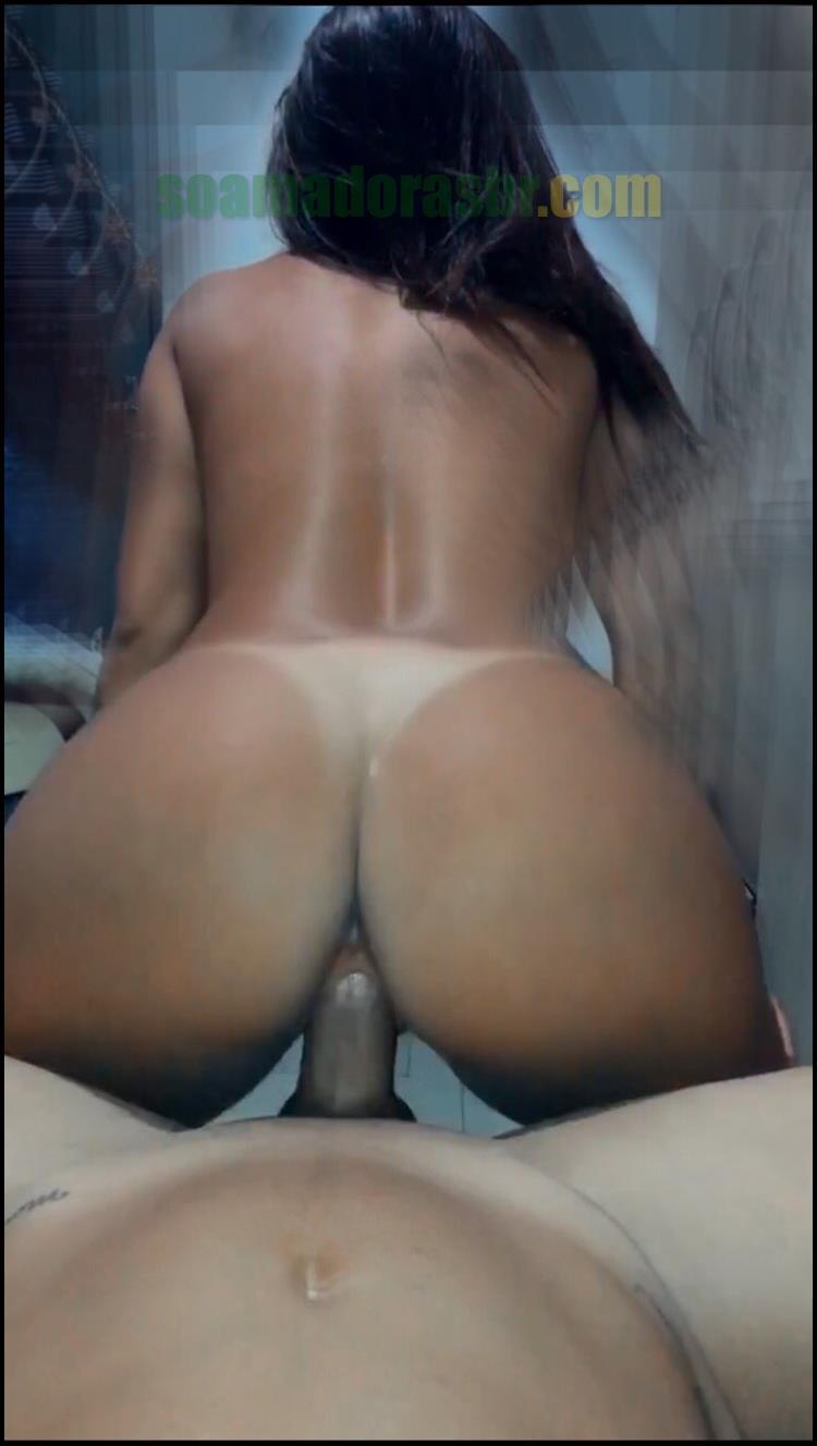 Morena-bronzeada-tarada-por-sexo-3