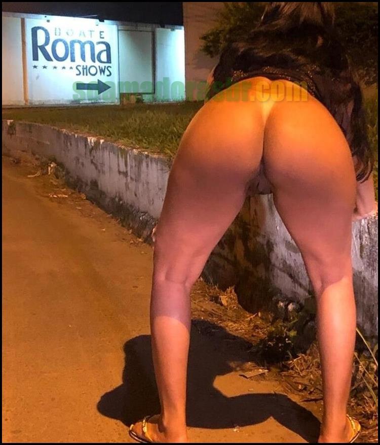 Morena-deliciosa-pelada-na-rua-a-noite-14