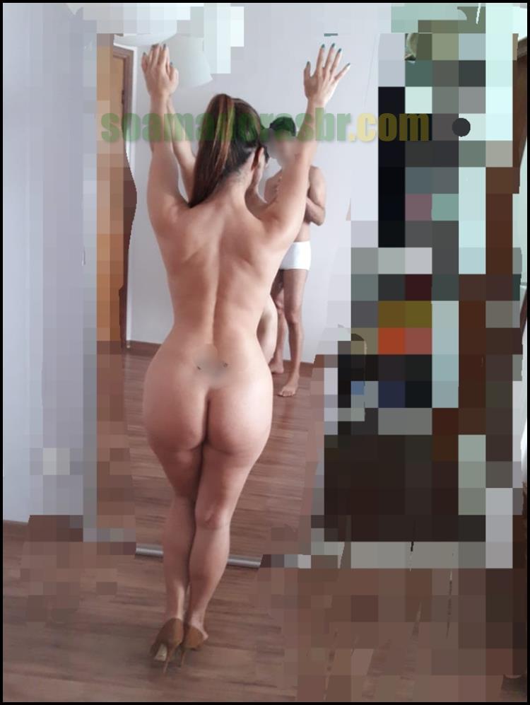 Esposa-amadora-em-fotos-peladas-sensuais-4