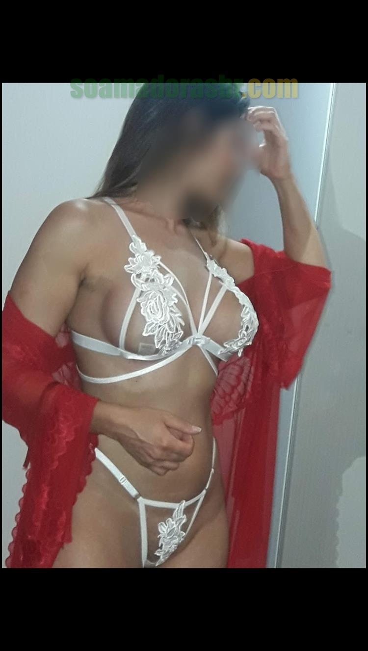 Esposa-amadora-em-fotos-peladas-sensuais-7