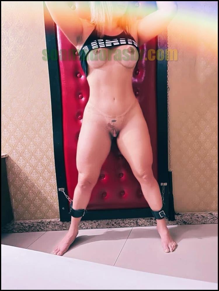 Esposa-carioca-gostosa-pelada-e-com-marquinhas-13